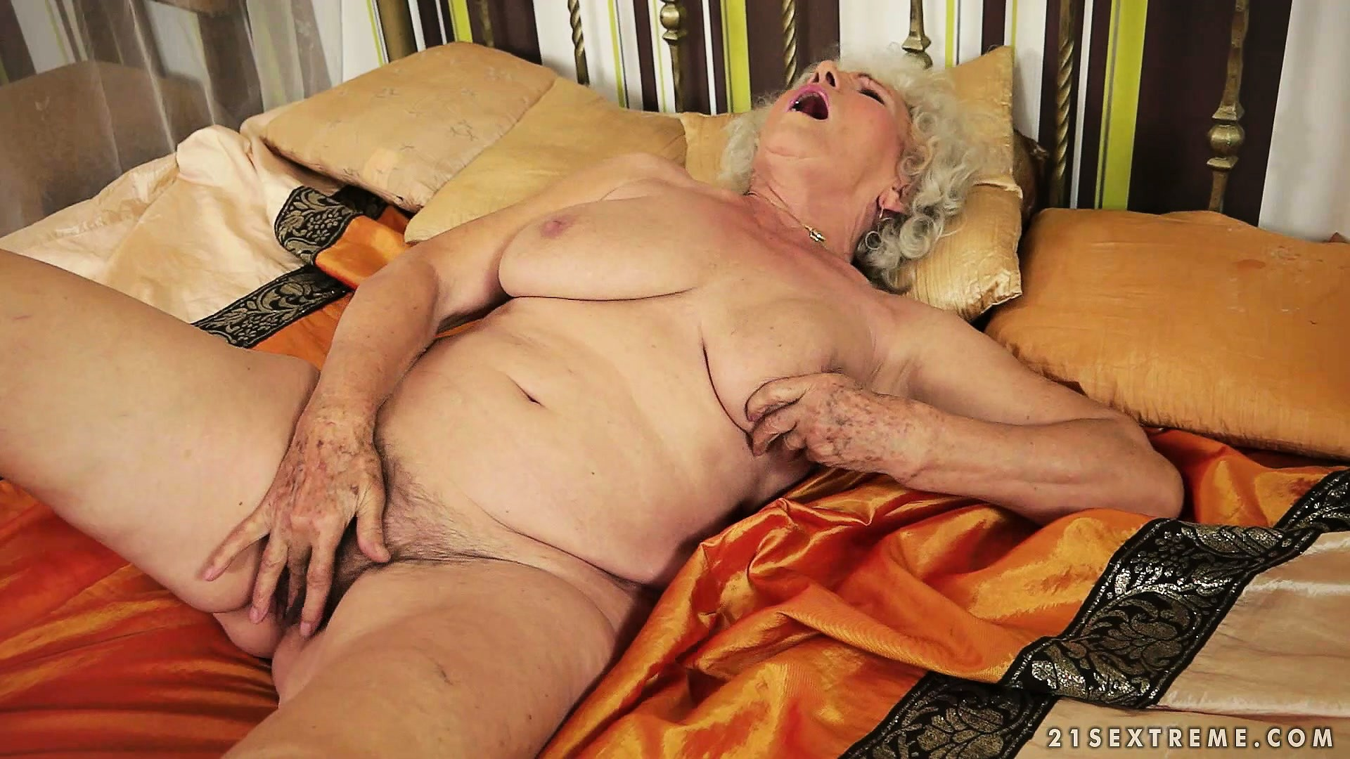 Porno Video of Afternoon Delight With Plumper Granny Toying Her Very Bushy Bush