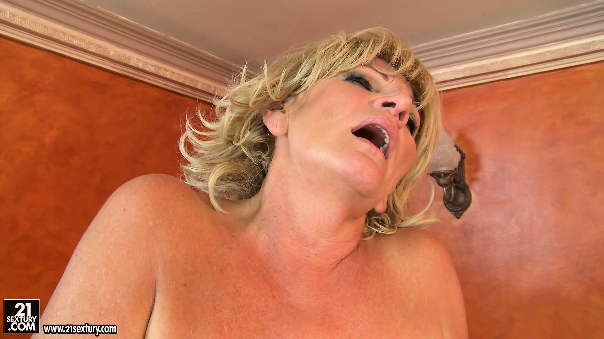 Porn Tube of Fat Blonde Granny Gets Her Fuzzburger Licked And Then Pounded