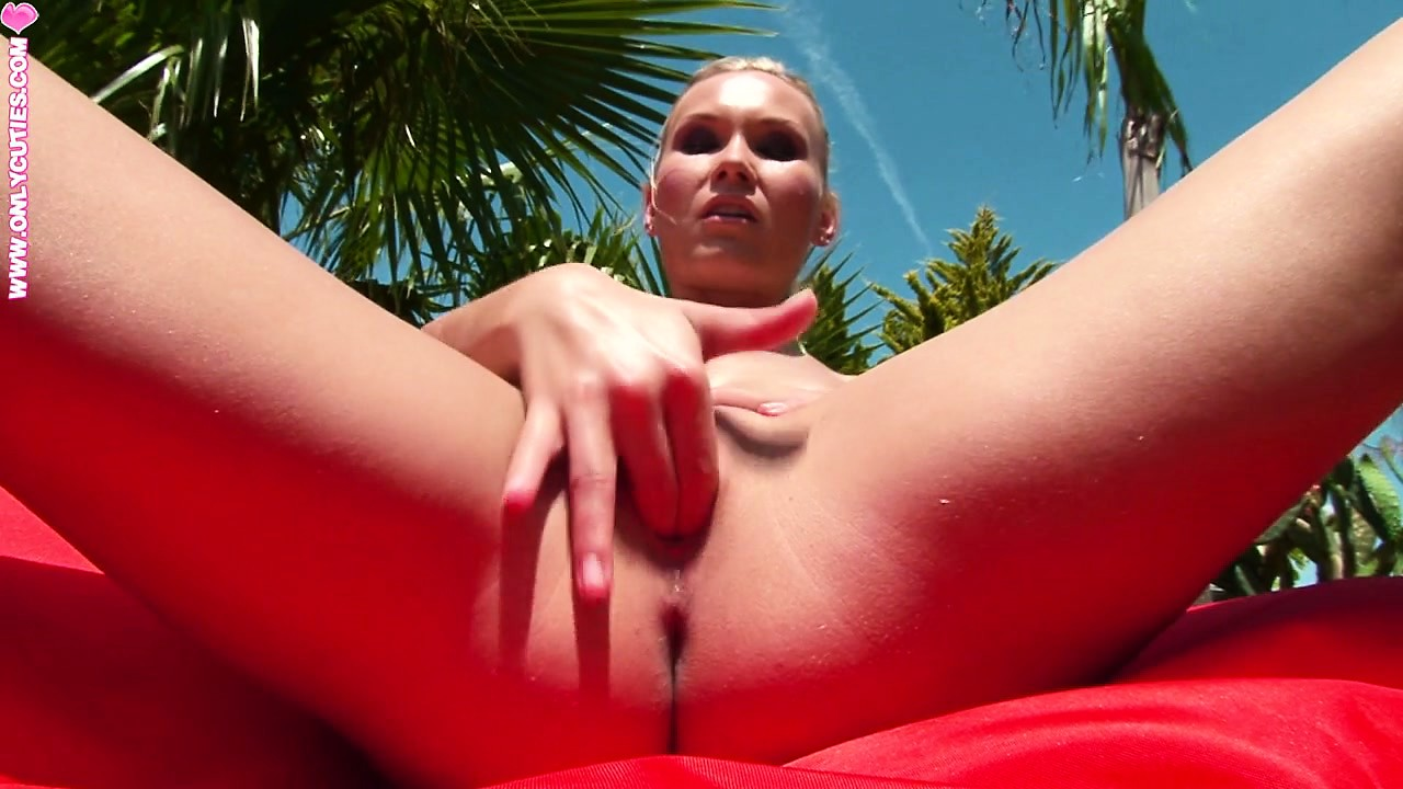 Porn Tube of Gorgeous Blonde Exhibitionist Makes Her Pussy Juices Run Wild