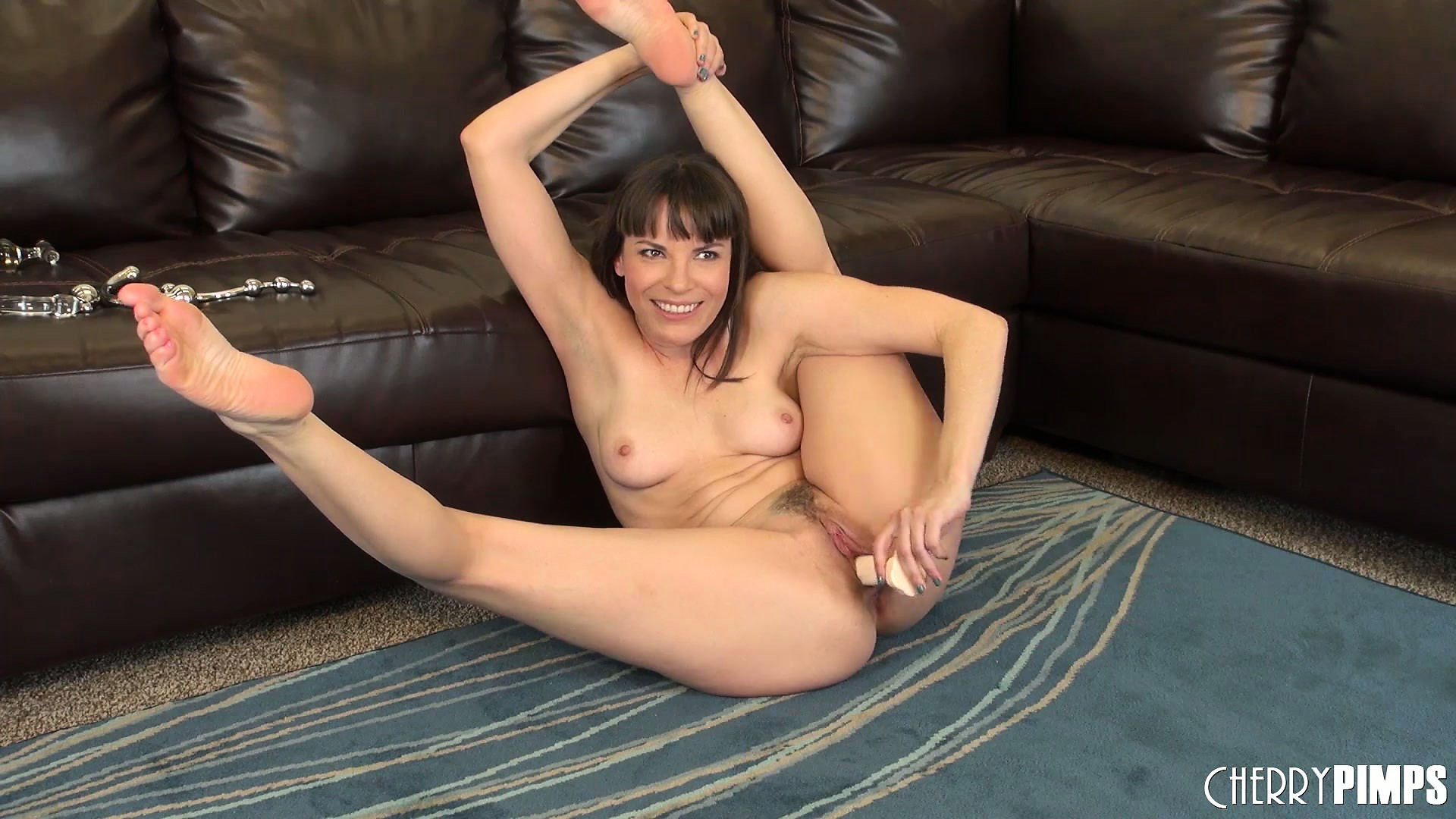Sex Movie of The Trimmed Pussy Of Dana Dearmond Was Longing For This Sex Toy