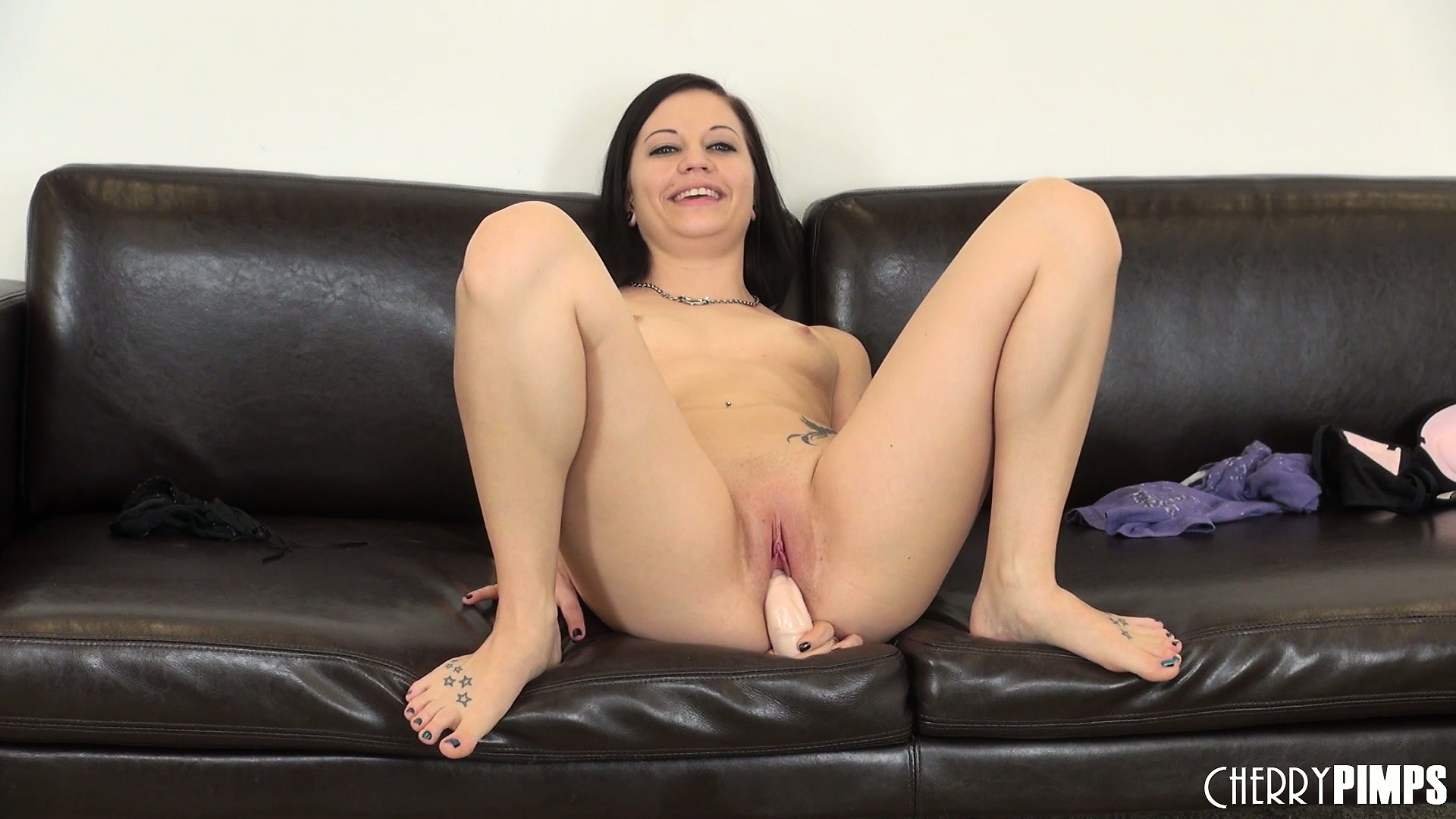 Porno Video of Brandi Belle Sits On A Huge Sex Toy To Fill Her Chasm Like Beaver
