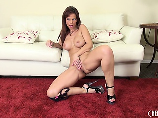 syren seductively displays her curvy body and plays with her hungry pussy
