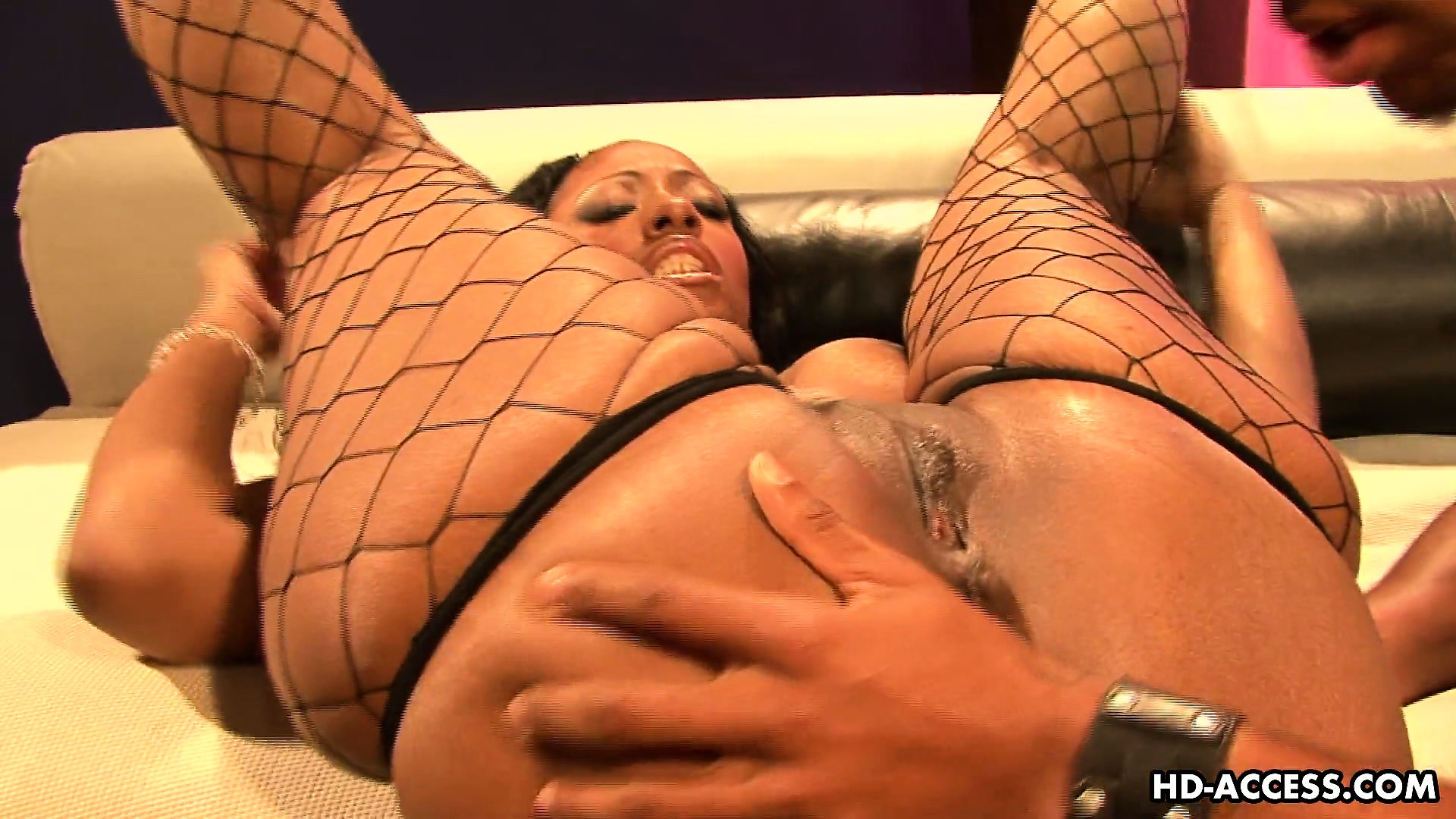 Sex Movie of Cherokee's Big Black Butt Begs To Be Pounded Into Jelly Mess