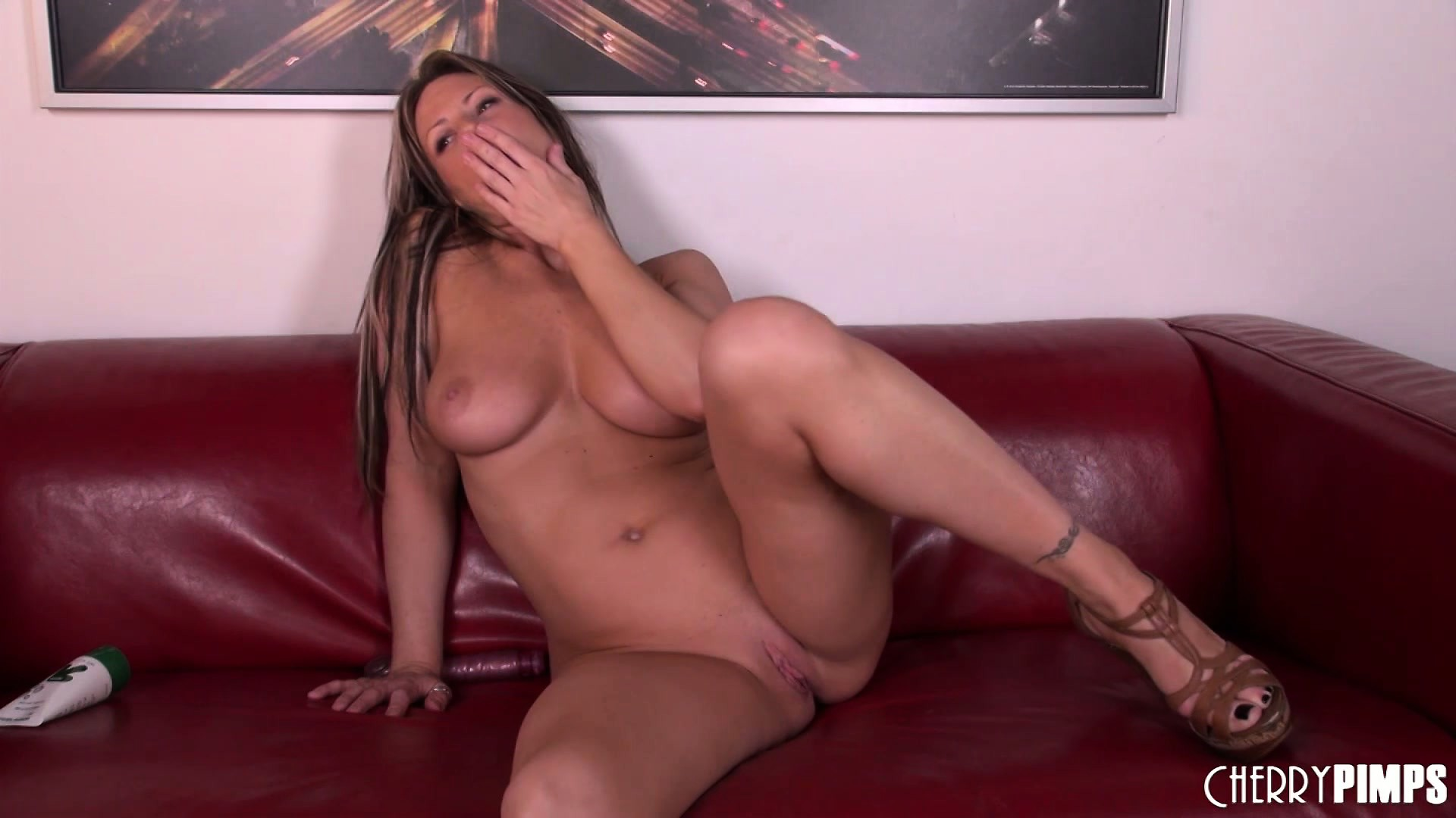 Porn Tube of Carolyn Is The Proud Owner Of Big Natural Tits, A Perfect Ass And Sexy Long Legs