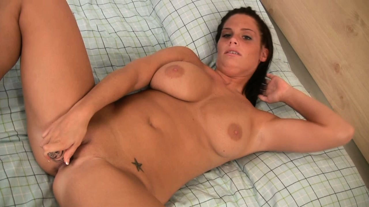 Porno Video of Stacked Hottie Whitney Lies On The Bed Pleasing Her Wet Snatch With A Sex Toy
