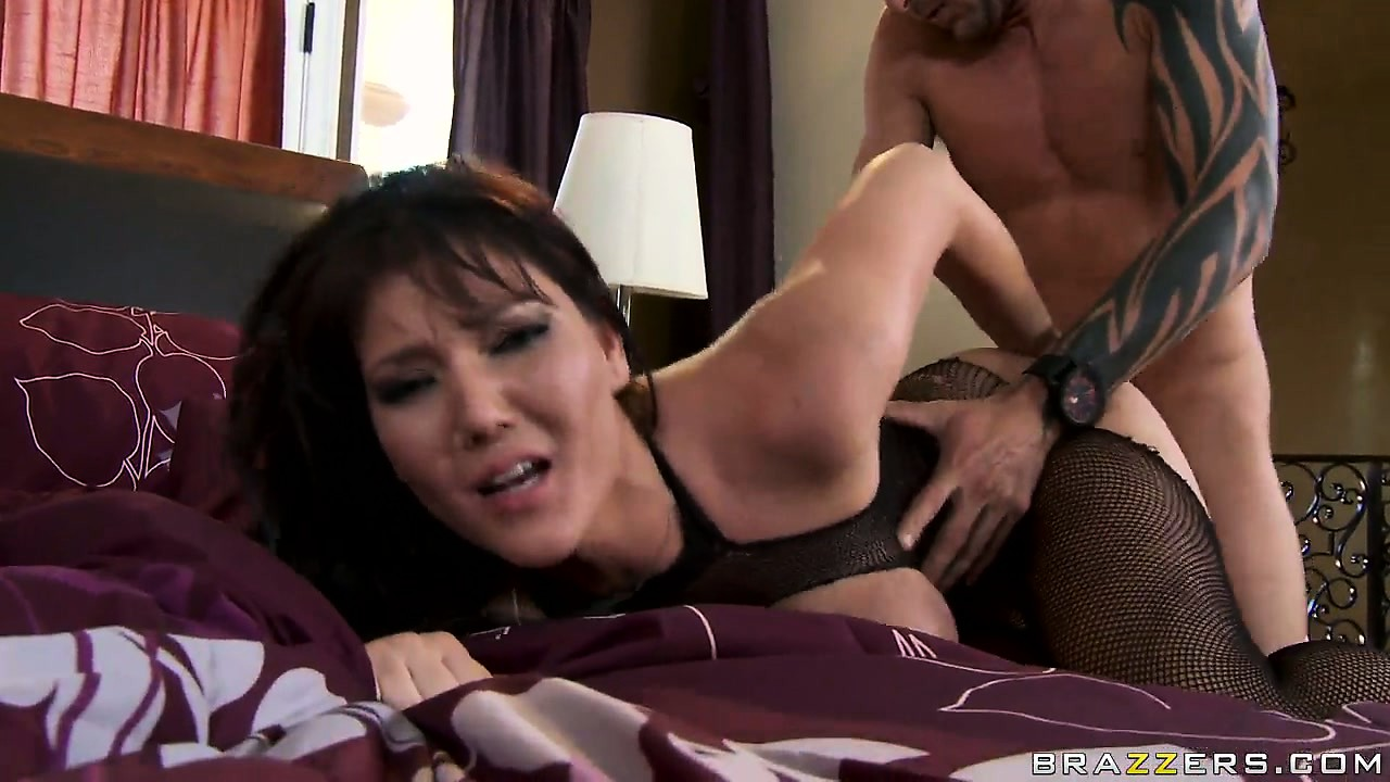 Porno Video of Claire Dames Fucked Doggy Style And Finishes With A Mouth Cumshot