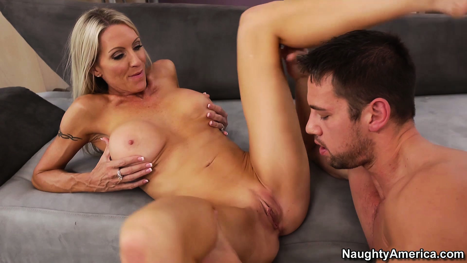 Porno Video of Blonde Cougar With Juicy Curves Takes It On Her Side From A Stud