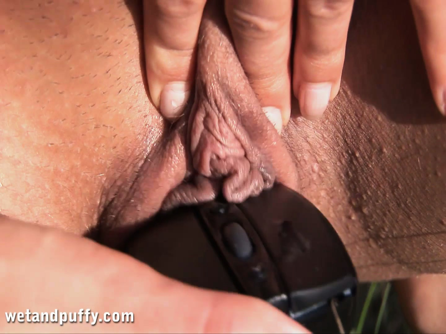 Porn Tube of Nikky Is Looking Hot Under The Sun Toying Her Twat In The Field