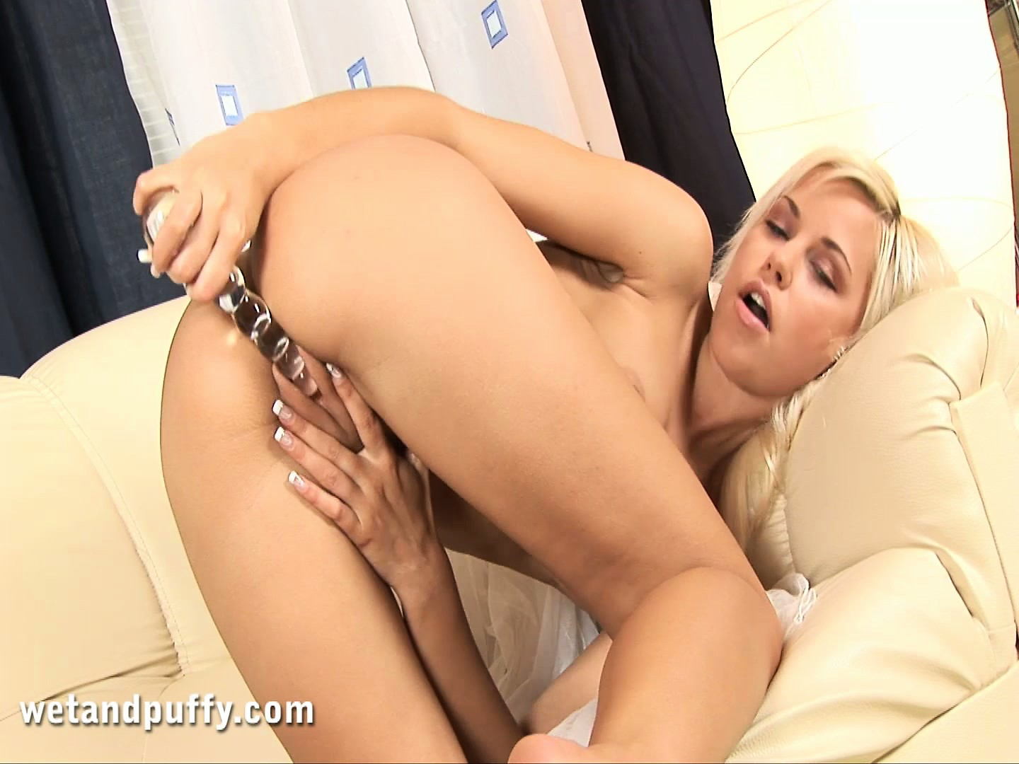 Porn Tube of Lola Pumps Her Clit To Extreme Sensitivity, And Gets Her Dildo Out