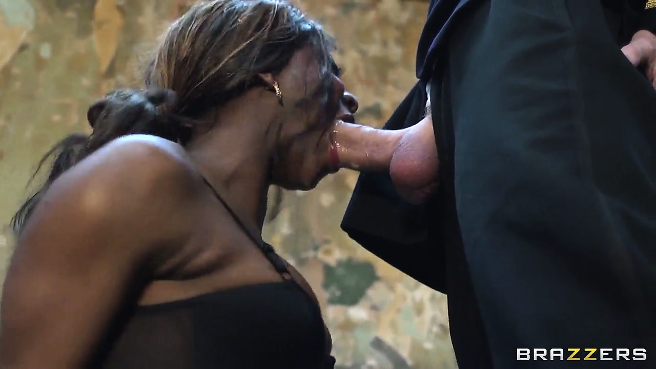 Porno Video of Watch How This Kinky Ebony Queen Teaches The White King A Lesson