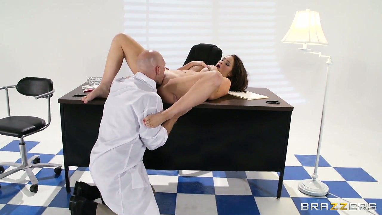 Porn Tube of This Striking Brunette's Appointment With The Doctor Turn Into Something Interesting