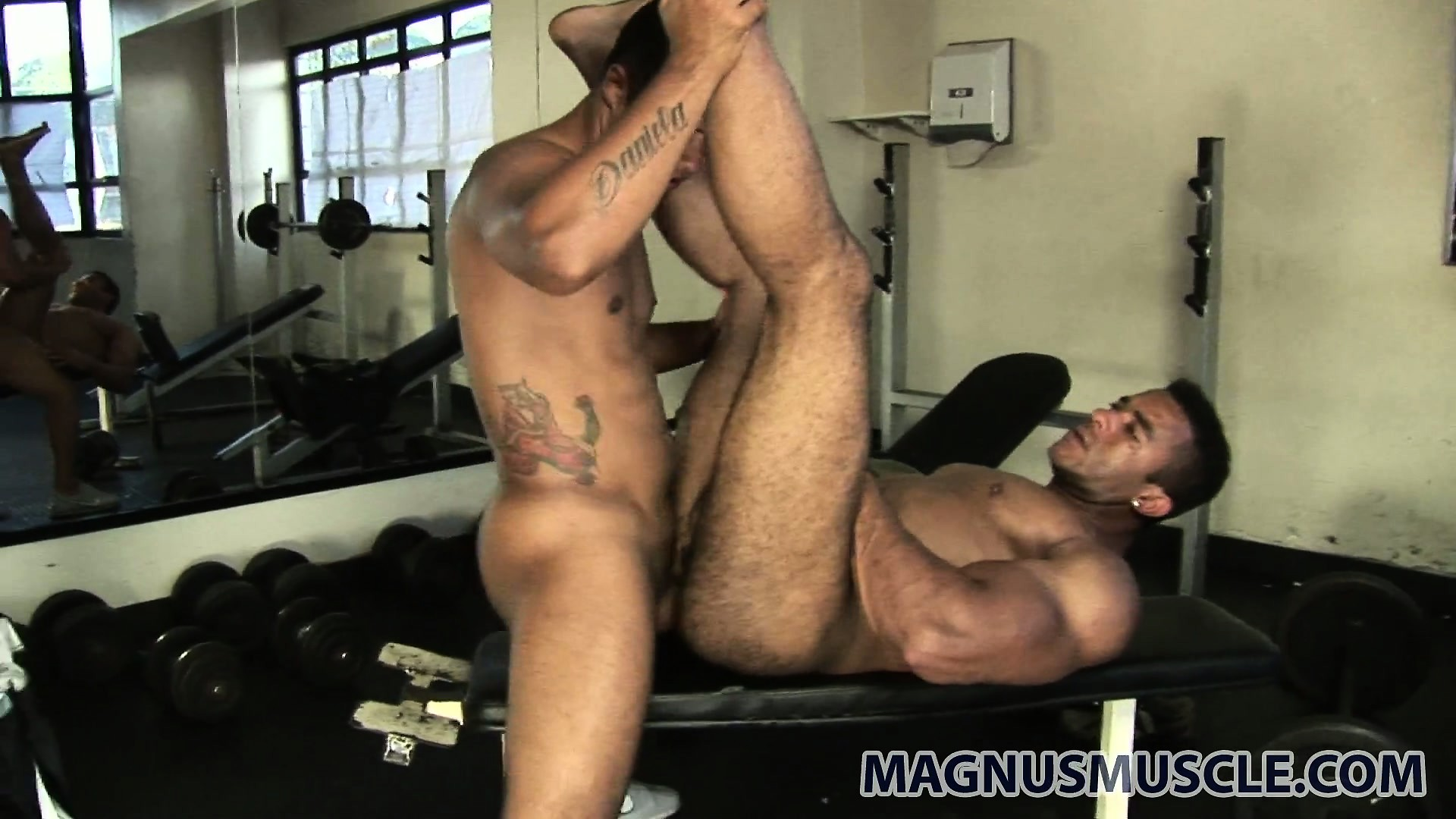 Porno Video of Matheus And Douglas Don't Bother To Leave The Gym When They Want To Fuck