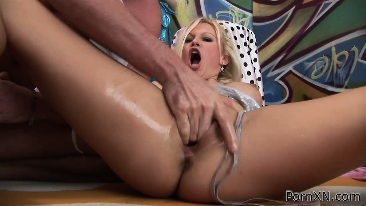 Porn Tube of Gorgeous Blonde With Perfect Big Tits Martina Has A Guy Fisting Her Shaved Pussy