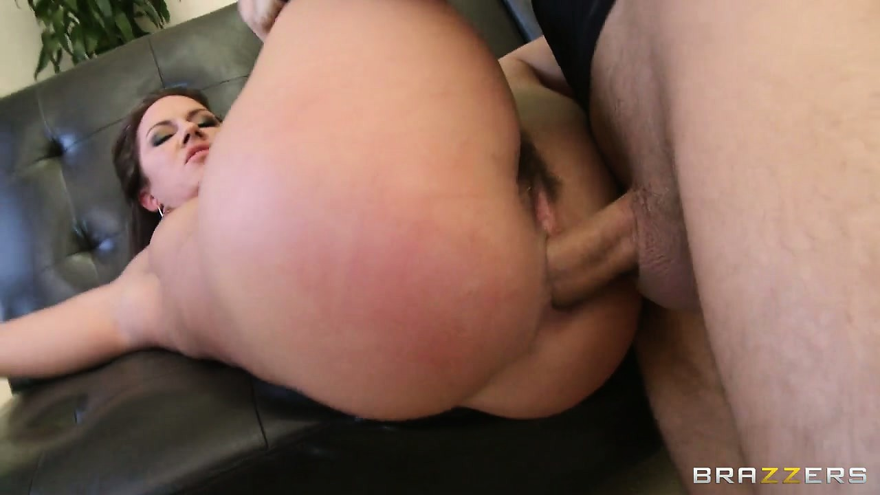 Porno Video of Beautiful Pear Shaped Ass Gets Drilled And She Gets A Load Full Of Cum