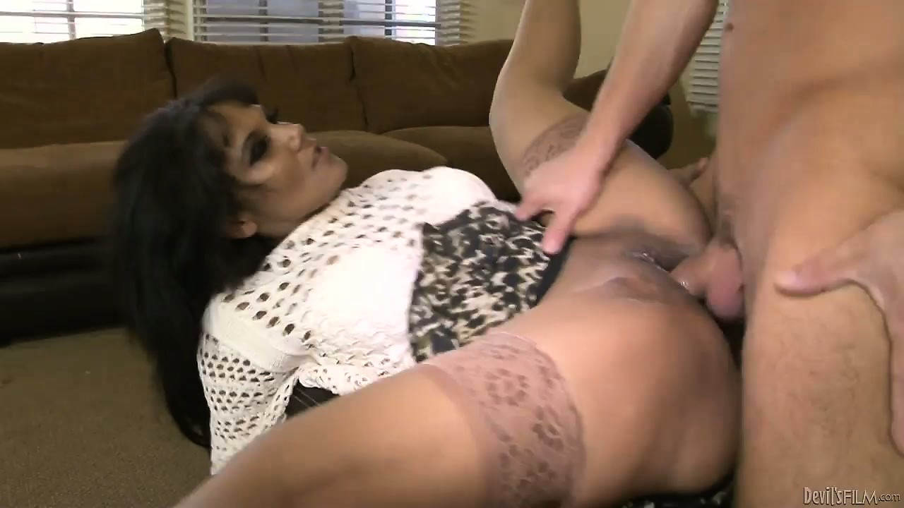 Porn Tube of He's Banging His Mother In Law And She Gives Him Some Great Deep Throat