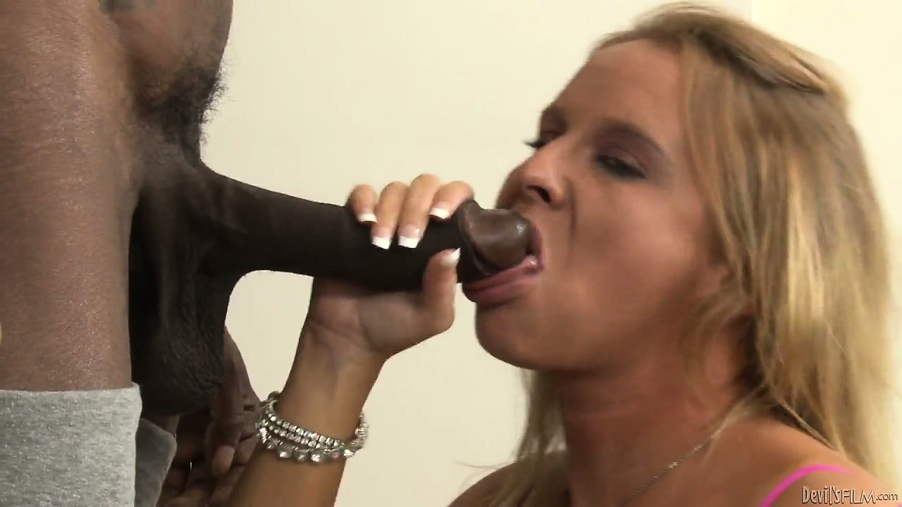 Porn Tube of College Girl Aria Austin Seduces A Black Man And Grabs His Cock And Sticks It On Her Mouth