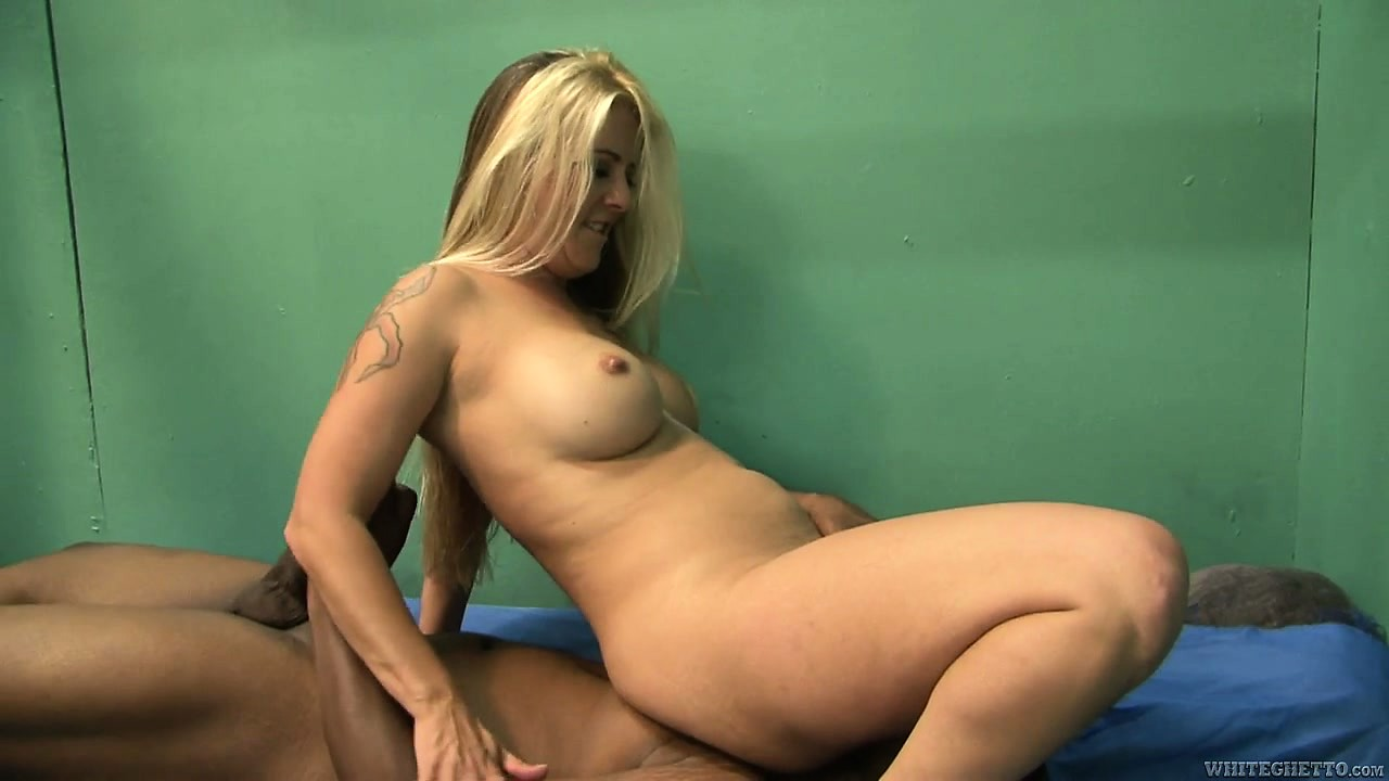 Porno Video of Black Kong Dong Gets Sucked By Busty Blonde Milf After He Licks Her Sexy Toes