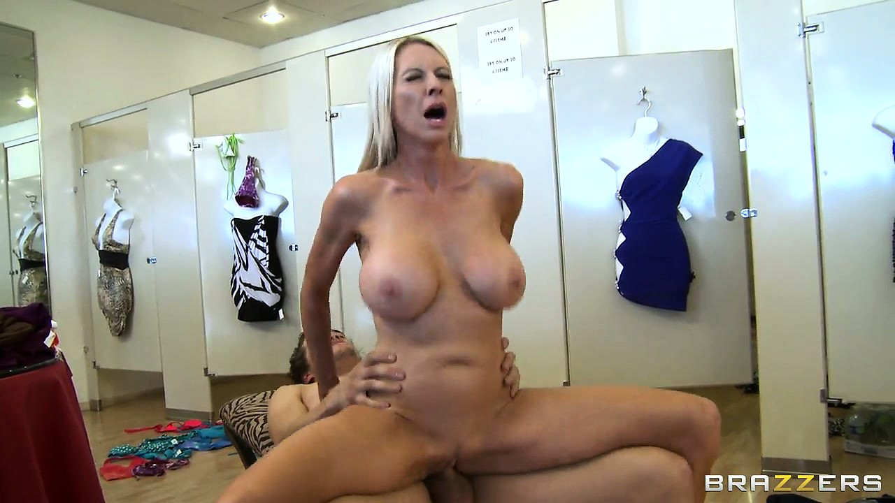 Porno Video of Riding That Big Cock Provides The Sexy Blonde Overwhelming Pleasure
