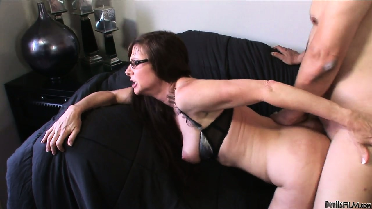 Porno Video of She's A Naughty Hoochie Mama With A Gaping And Hairy Pink Snatch