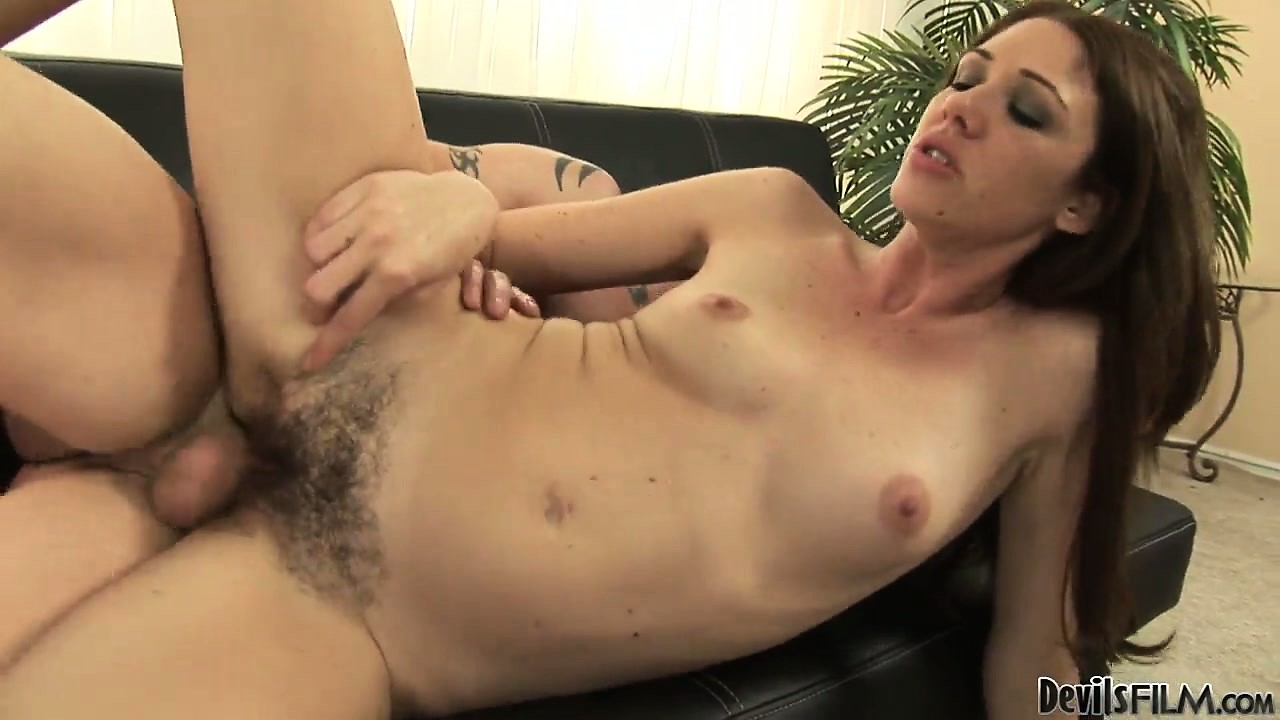 Porno Video of The Sexy Milf Seizes The Chance To Suck And Fuck That Big Cock And Fulfills Her Desires