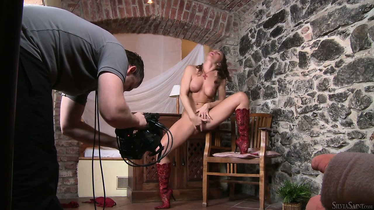 Porn Tube of Sexy Brunette Babe Gives A Hot Show For The Camera Wearing Red Cowboy Boots
