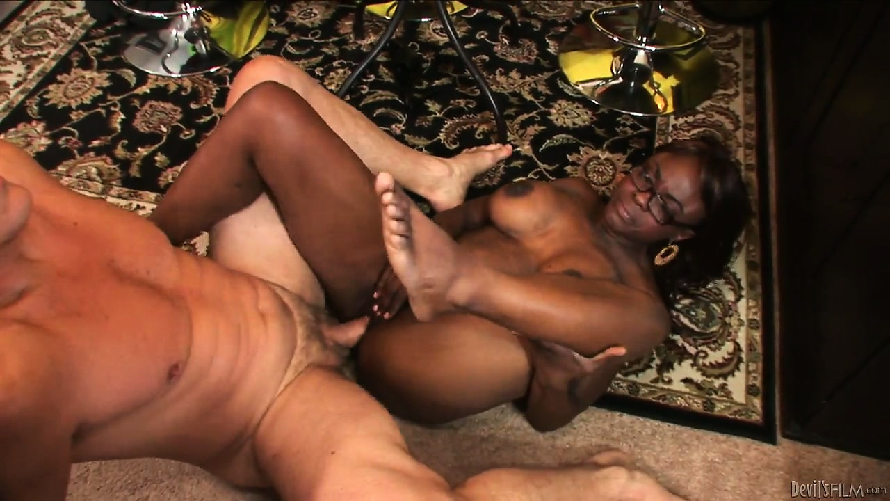 Porno Video of Horny Ebony Cougar Slammed Hard In Her Wet Black Pussy By White Cock