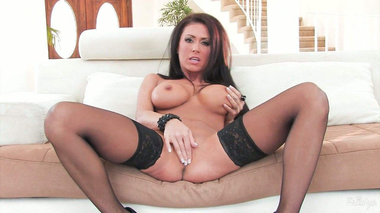 Porno Video of Seductively Undressing, This Stunning Brunette Shows A Body Made In Heaven