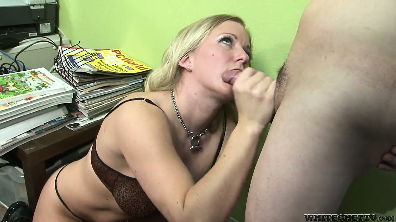 Porno Video of Gorgeous Blonde With Nice Tits Sucks A Cock And Begs For That Cum On Her Pretty Face