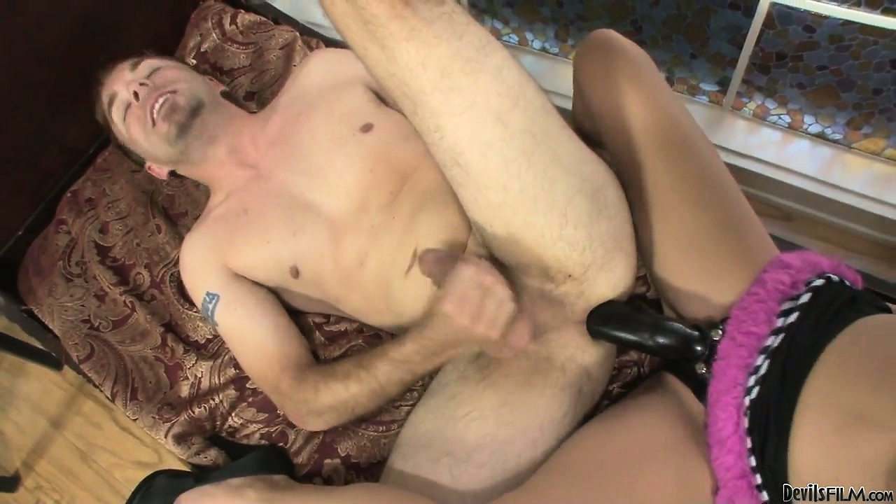 Porno Video of Young Babe Mary Jane Johnson Fucking A Guy In His Asshole With A Strapon