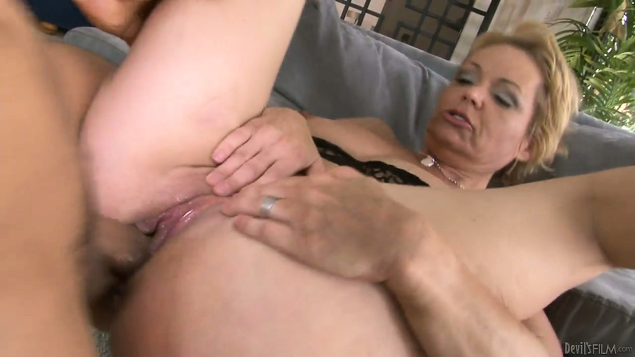Porno Video of Wife Catches Her Hubby As He Licks And Fucks Her Mommy While She Was Gone