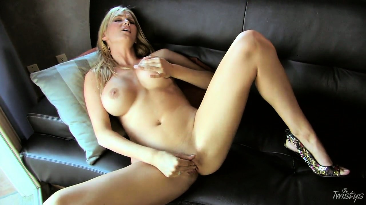 Porno Video of Big Tit Blonde Spreads 'em Wide To Slip Her Fingers In Her Cock Box