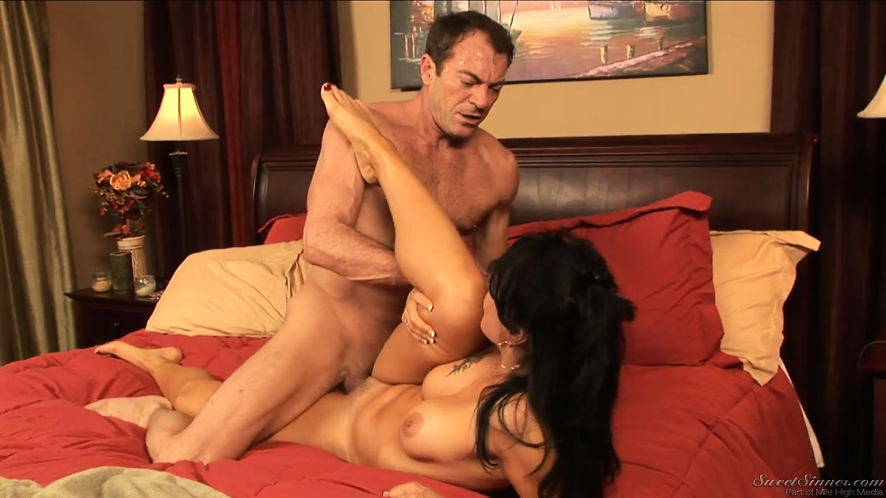 Porno Video of Milf Gets Rough With Her Lover As He Tries To Keep Up With Her