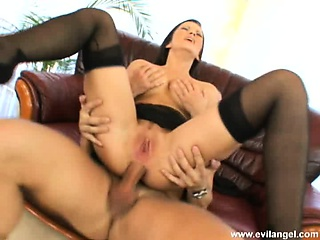 smoking hot brunette with gigantic knockers gets an anal gaping