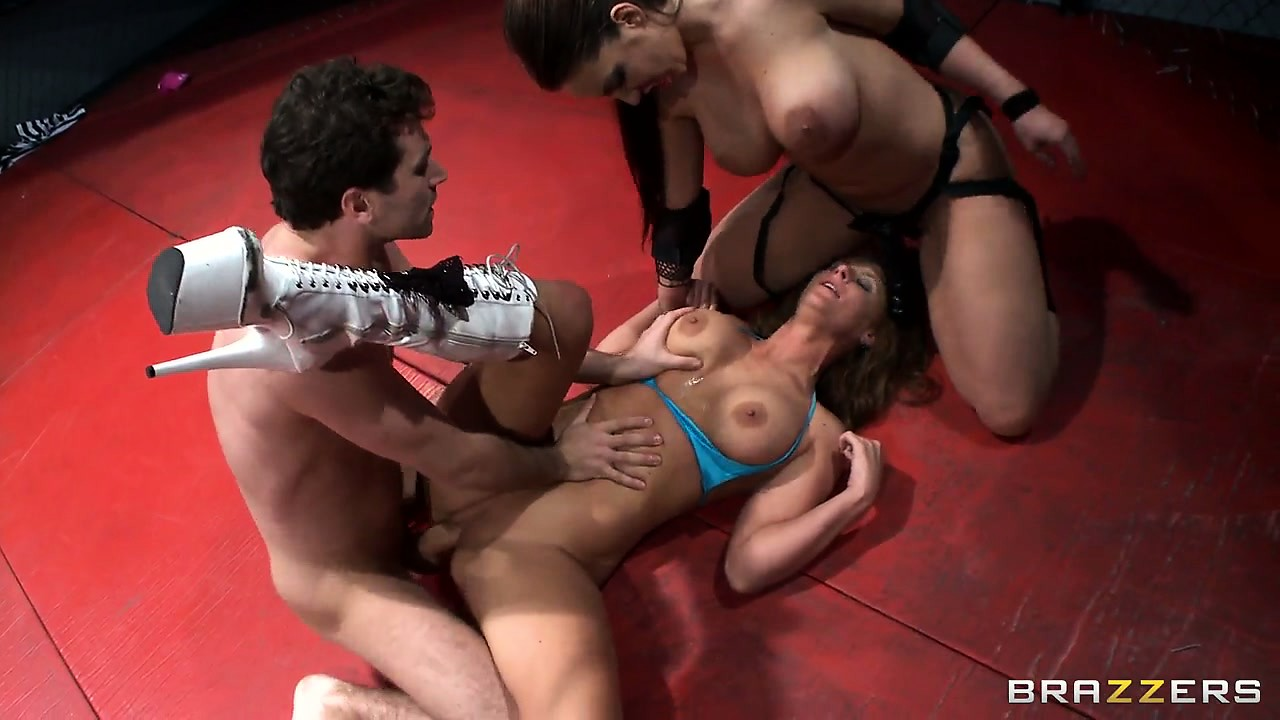 Sex Movie of Extreme Fucking League Gets Rowdy For This Threesome In The Ring