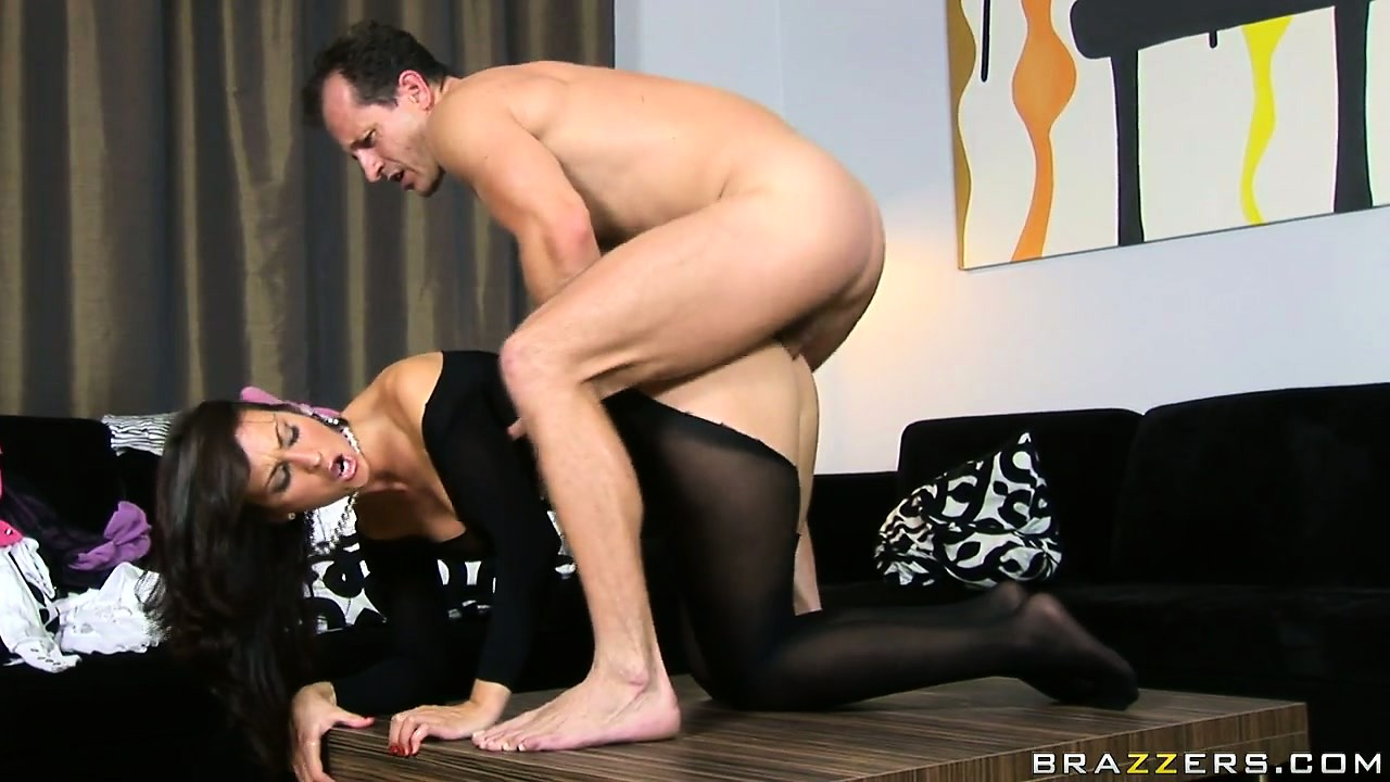 Porno Video of Czech Babe Simone Peach Getting Banged Hard And Deep In Her Asshole