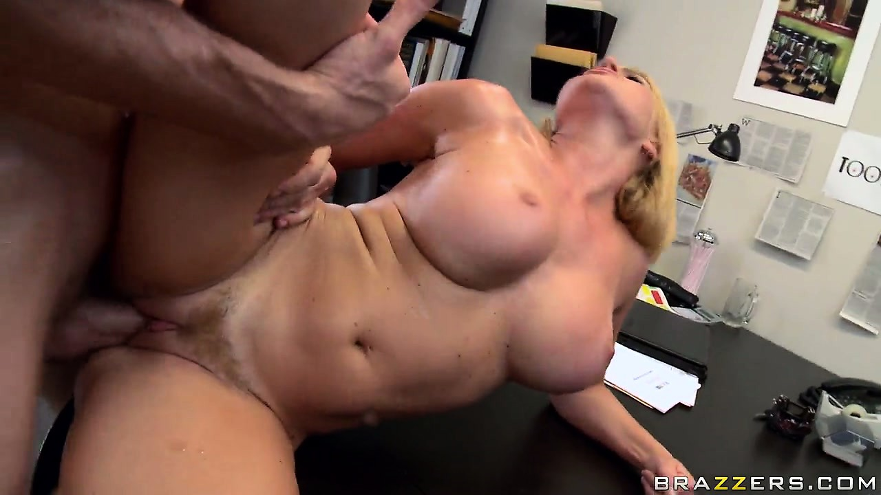Porn Tube of Curvy Filly Gets Porked And Jizzed Right On Top Of Her Table In The Office