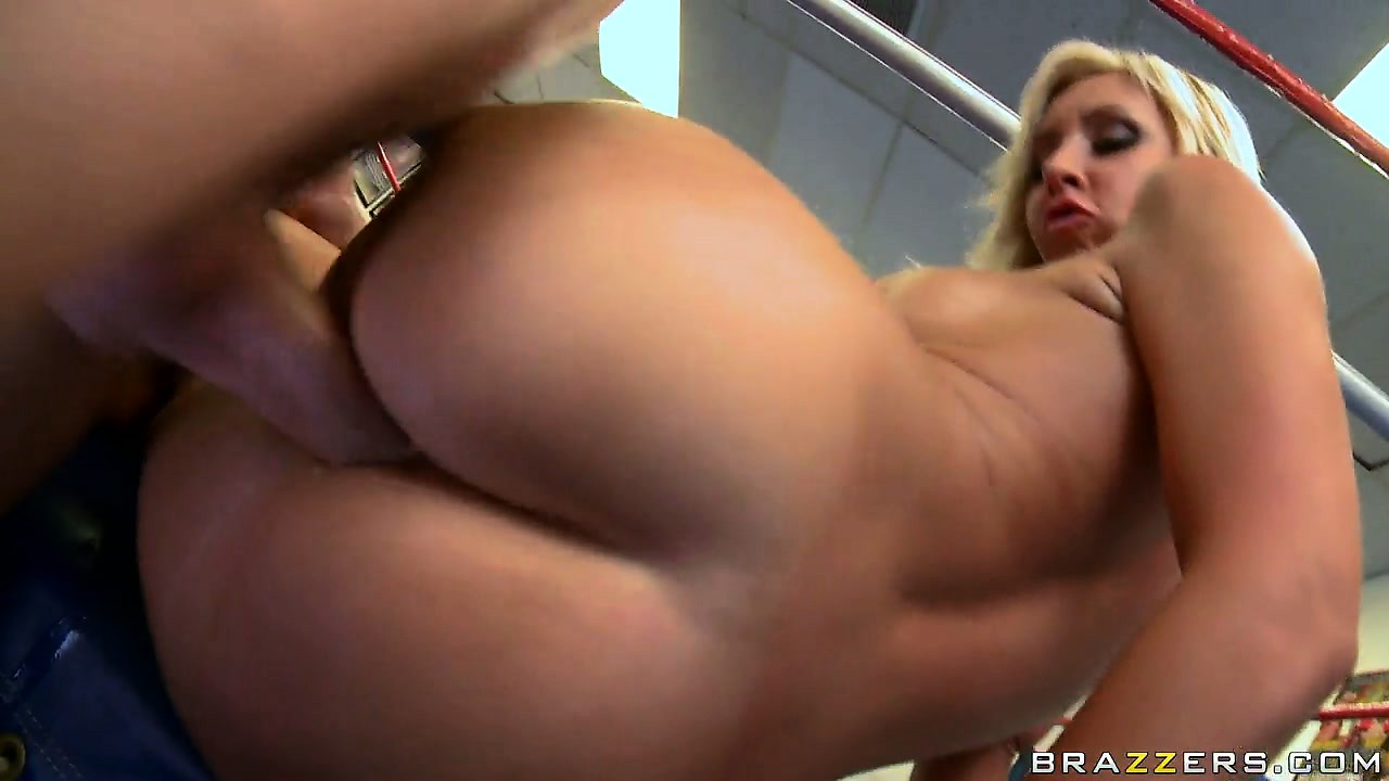 Porno Video of Her Huge Tits Get That Big Cock Ready For What Comes Next In That Ring