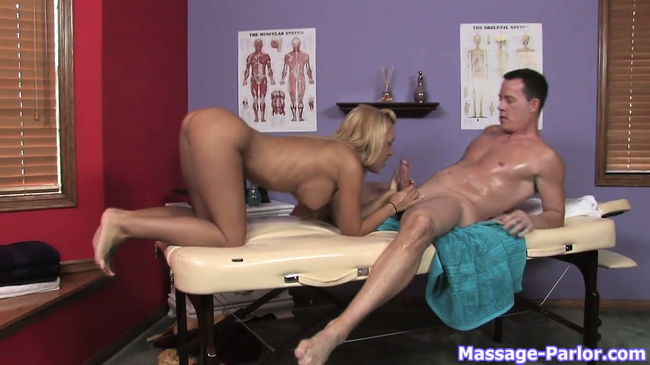 Porno Video of Sexy Blonde Masseuse Gives An Oily Tugjob And A Blowjob Combo