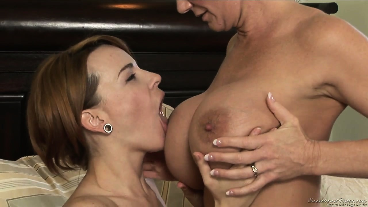 Porno Video of Lesbian Veteran Hooker Shows That Babe The Wonders Of Homosexual Relationship