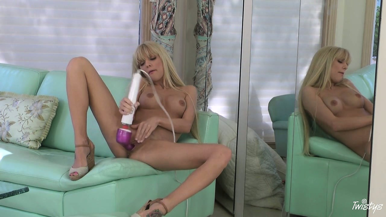 Porno Video of Big Ass Vibe In The Blondes Snatch Is Sure To Fill Her Up And Make Her Cum