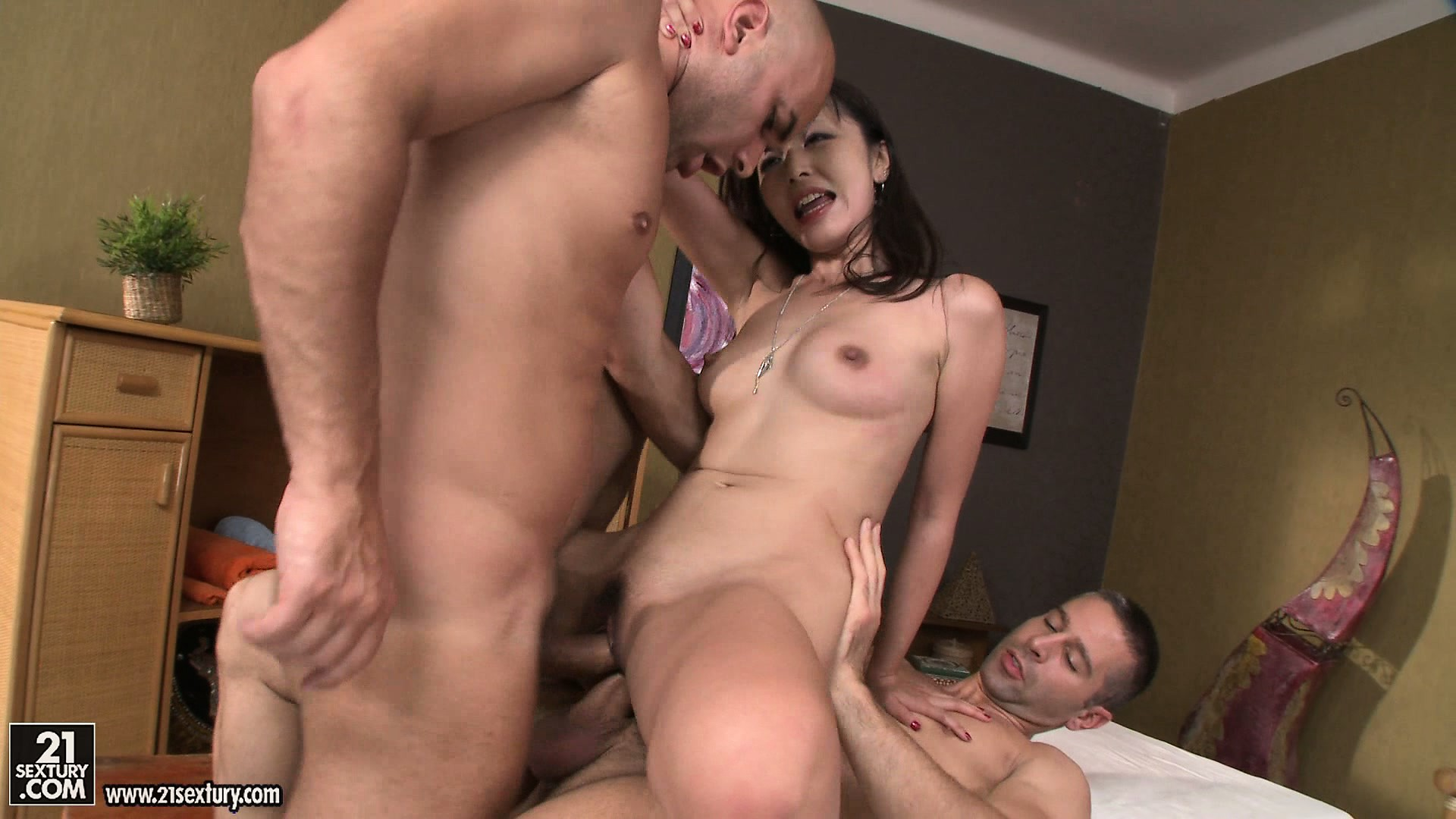 Porn Tube of Asian Masseuse With A Tiny Body Gives A Pov Blowjob As A Finisher